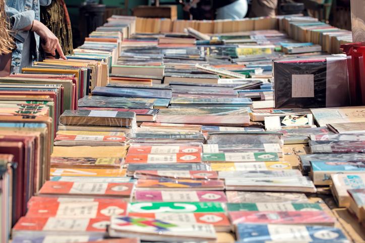 Sälj dina gamla böcker